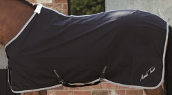 Mark Todd Universal Sheet Black/White *Clearance Deal*